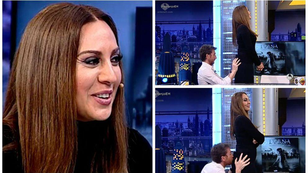 Pablo Motos da la nota: le besa el culo a Mónica Naranjo en 'El hormiguero'