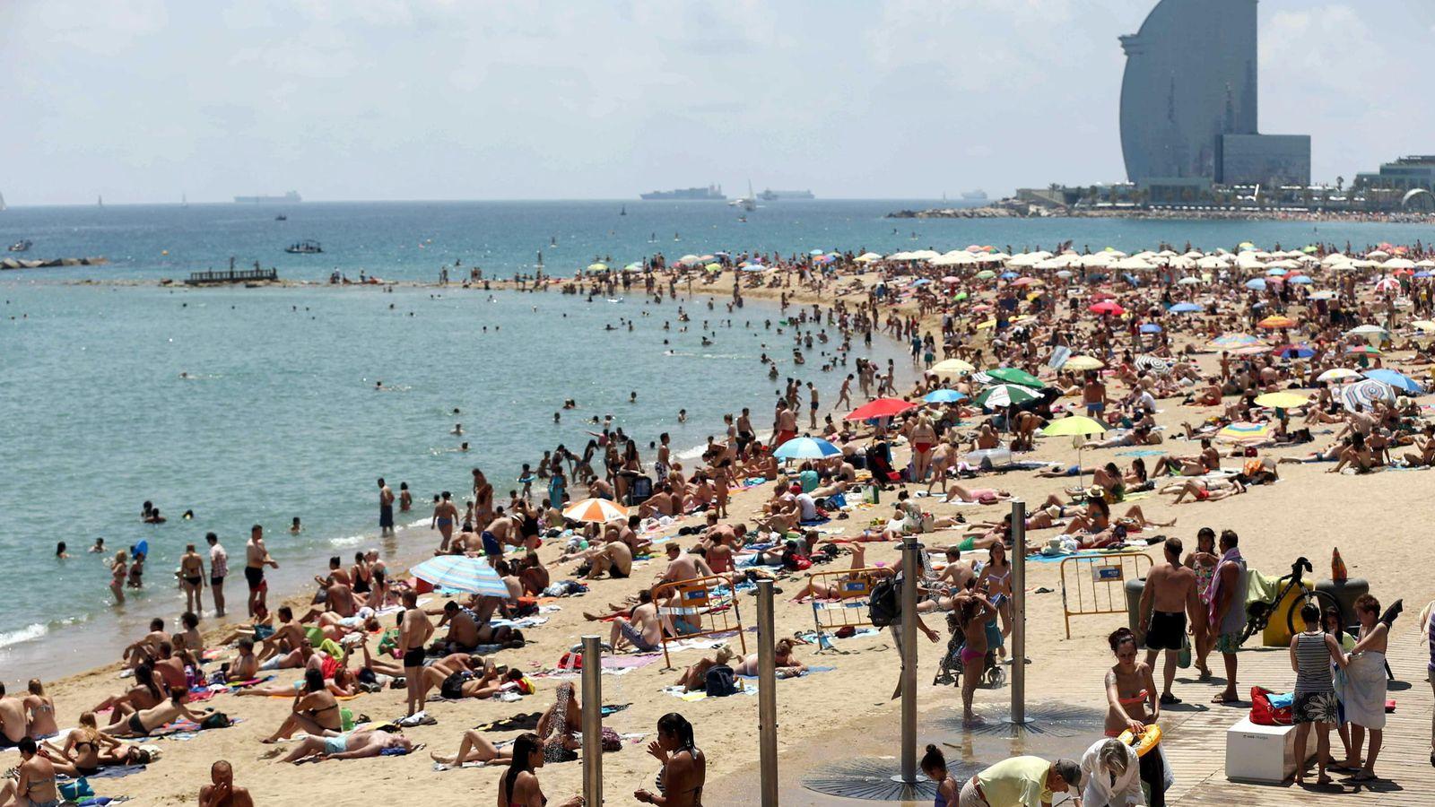 Foto: Playa de la Barceloneta. (EFE)