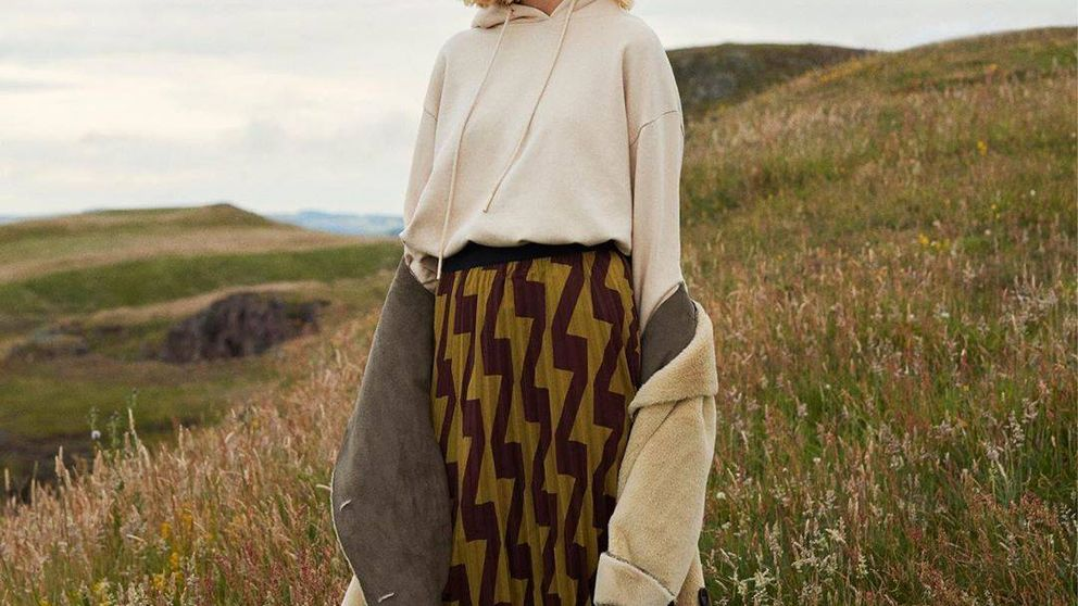 La falda midi plisada de Parfois que se ha agotado y que debes fichar para el restockaje