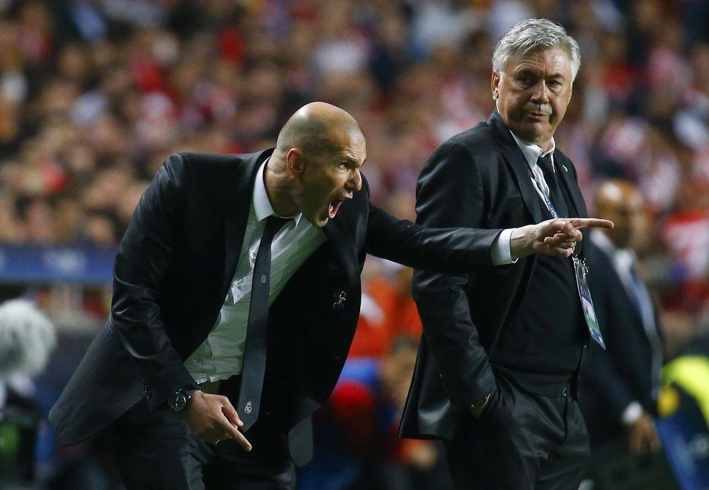 Foto: Zidane y Ancelotti durante un partido de la pasada temporada (Reuters)