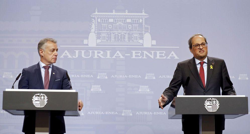 Foto: Urkullu y Torra comparecen en la sede del Gobierno vasco tras una reunión en noviembre de 2018. (EFE)