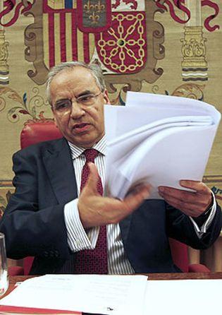 Foto: Guerra hace oídos sordos a Griñán y se niega a presentarse a la alcaldía de Sevilla
