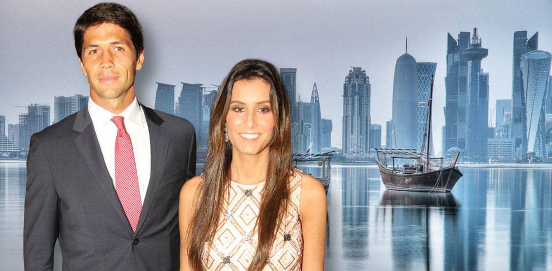 Foto: Verdasco y Ana Boyer sobre un fondo de Doha