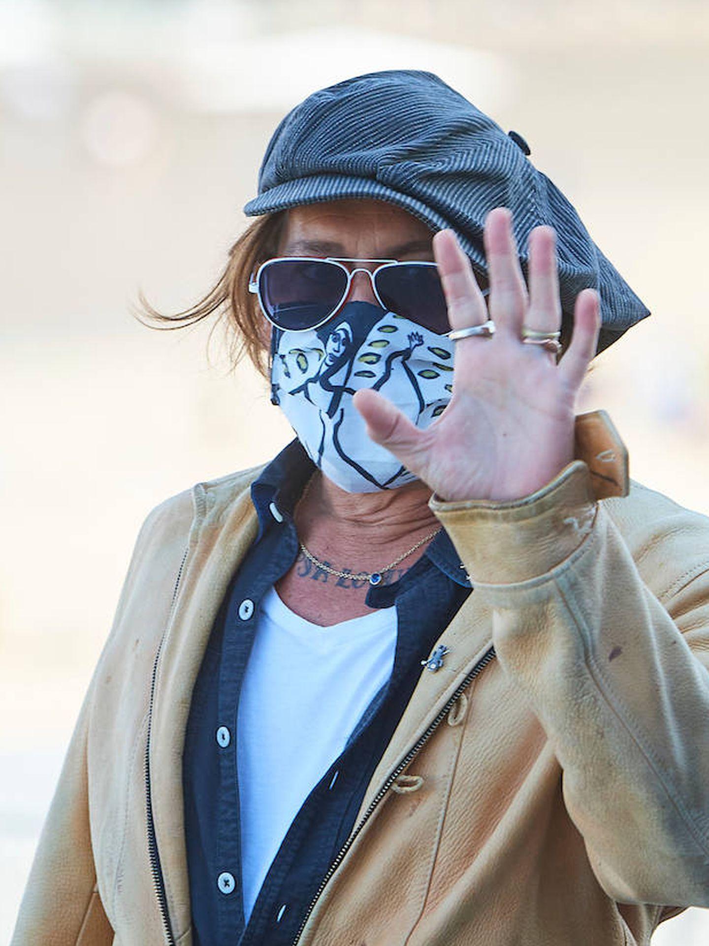 Johnny Depp saludando a los medios y al público de San Sebastián. (Limited Pictures)