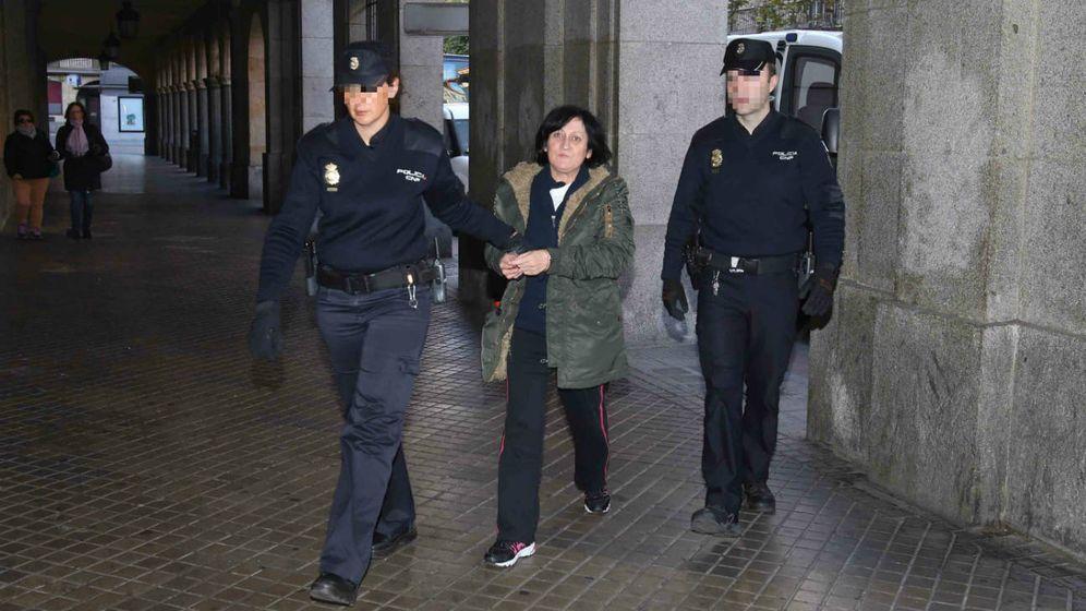 Foto: M. Rosario S. P., entrando al juzgado. (Salamanca 24 horas)