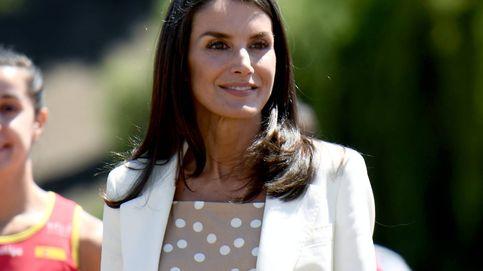 La falda de lunares con la que copiar un look digno de la reina Letizia