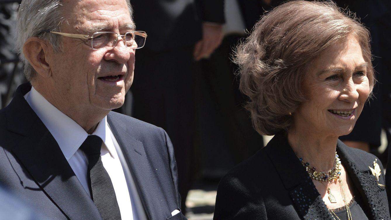 El rey Constantino, cumpleaños junto a la reina Sofía en una Grecia todavía recelosa