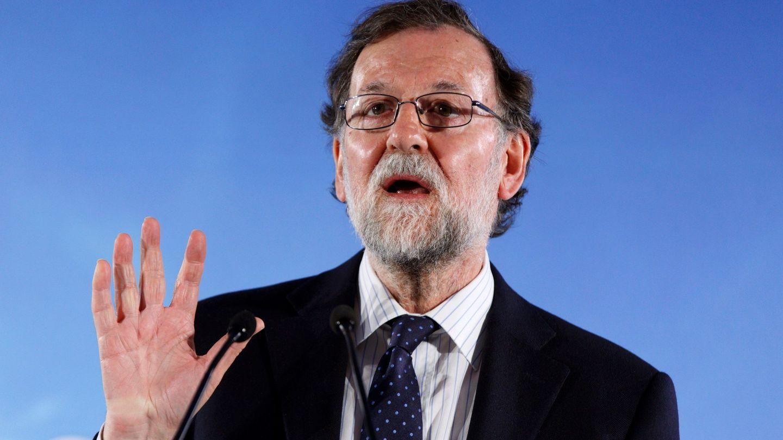 Rajoy durante su intervención este jueves en el acto electoral del PP vasco en Vitoria. (EFE)