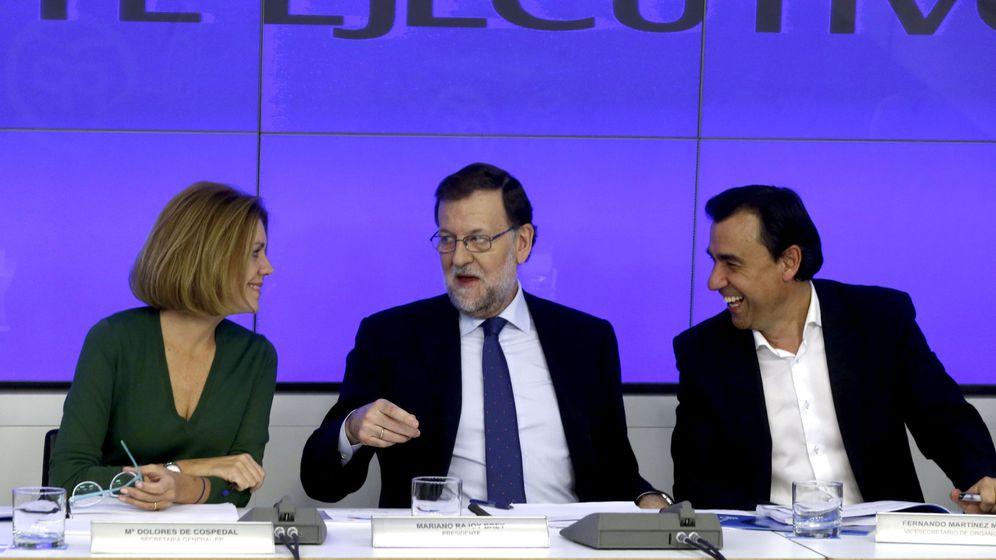 Foto: El presidente del PP, Mariano Rajoy (c), la secretaria general, Dolores de Cospedal (i), y el vicesecretario de Organización, Fernando Martínez Maíllo. (EFE)