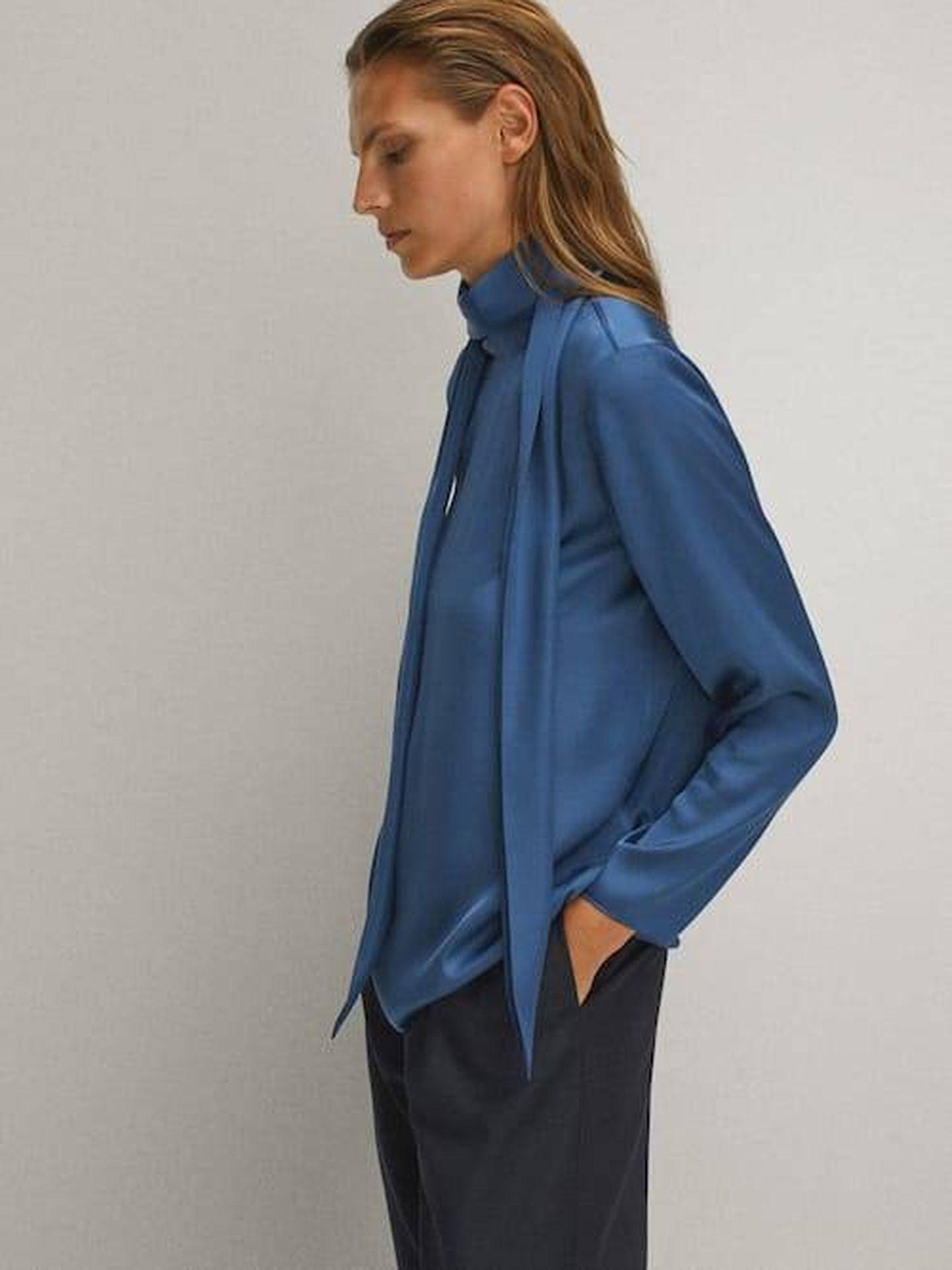 La blusa de Massimo Dutti. (Cortesía)