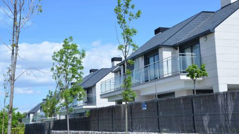 Vender una casa para comprar otra, ¿es buen momento, qué gastos conlleva?