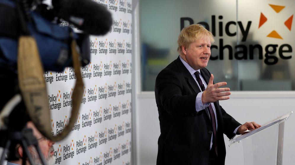 Foto: El ministro de Exteriores británico Boris Johnson da un discurso sobre el Brexit en el Polixy Exchange de Londres, hoy, 14 de febrero de 2018. (Reuters)
