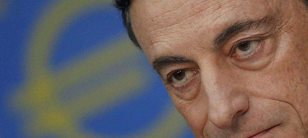 Foto: El presidente del BCE, Mario Draghi, con el gesto serio que mostró en la rueda de prensa de ayer