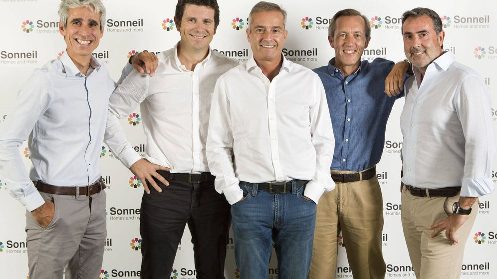 Foto: De izquierda a derecha: Juan Busquets, Alfredo Millá, Ángel Cano, Manuel Galatas y Domingo Caamaño.