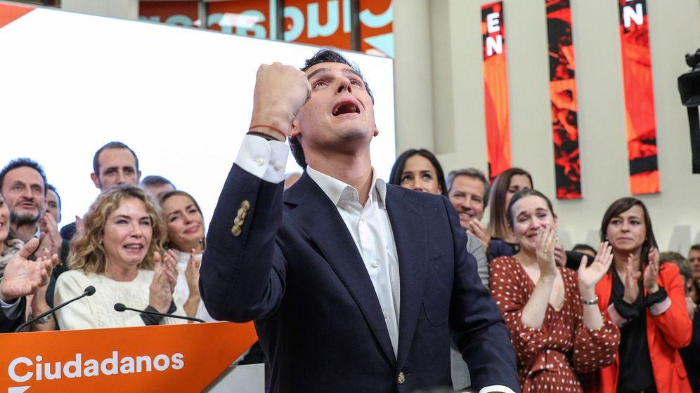 Foto: El presidente de Ciudadanos, Albert Rivera, durante su comparecencia este lunes en la sede del partido, en Madrid, en la que ha anunciado su dimisión. (EFE)