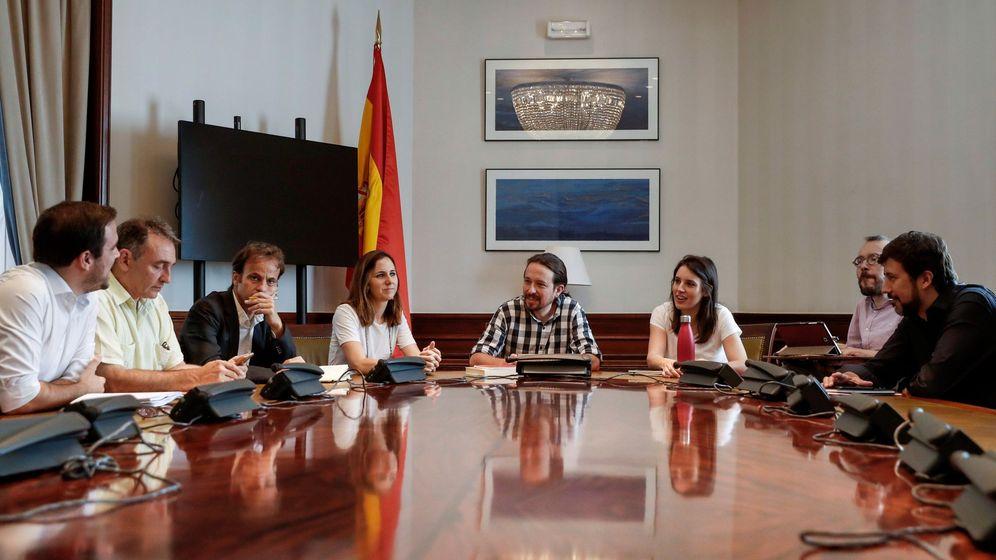Foto: Reunión de la Mesa Confederal de Unidas Podemos en el Congreso, de la que forman parte Podemos, IU, el PCE y las confluencias. (EFE)