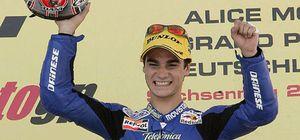 Valitino Rossi vencen en MotoGP y el finlandés Mika Kallio en 125 cc.