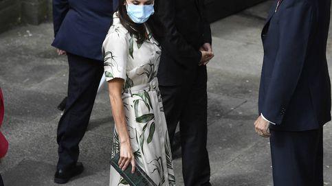 Las hojas de Letizia: la reina completa la ofrenda floral de Galicia con su look