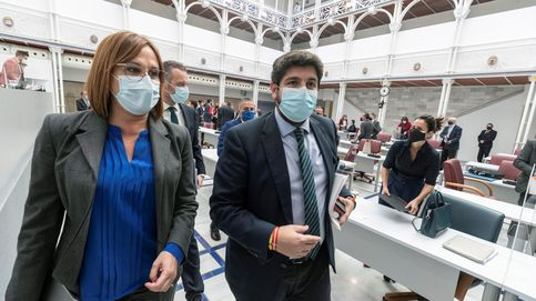 Fracasa la moción de Murcia por el voto contrario de los tránsfugas de Cs