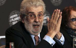 Sáenz de Santamaría cita a los capos de las TV tras suavizarse la crítica