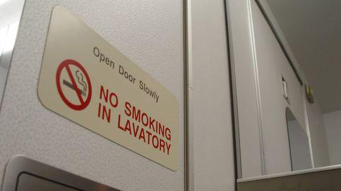 Esto es lo que pasa cuando enciendes un cigarrillo en pleno vuelo