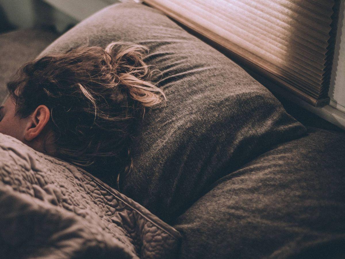 Foto: Bebidas naturales para dormir bien y seguir adelgazando. (Unsplash)