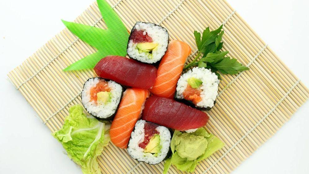 Foto: Piezas de sushi japonés.