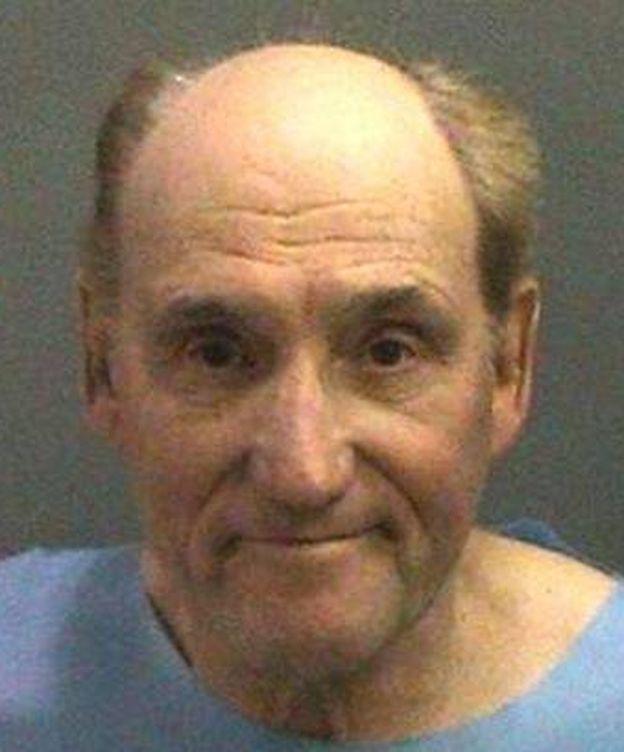 Foto: Stanwood Elkus en el momento de su detención. (Oficina del Sheriff del Condado de Orange)