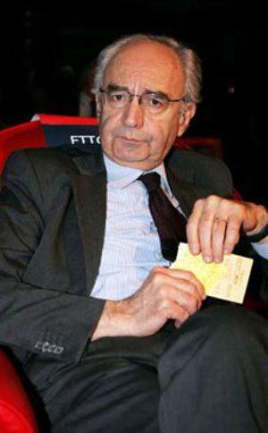 Roma pidió el plácet a Botín para nombrar al presidente del Banco Vaticano