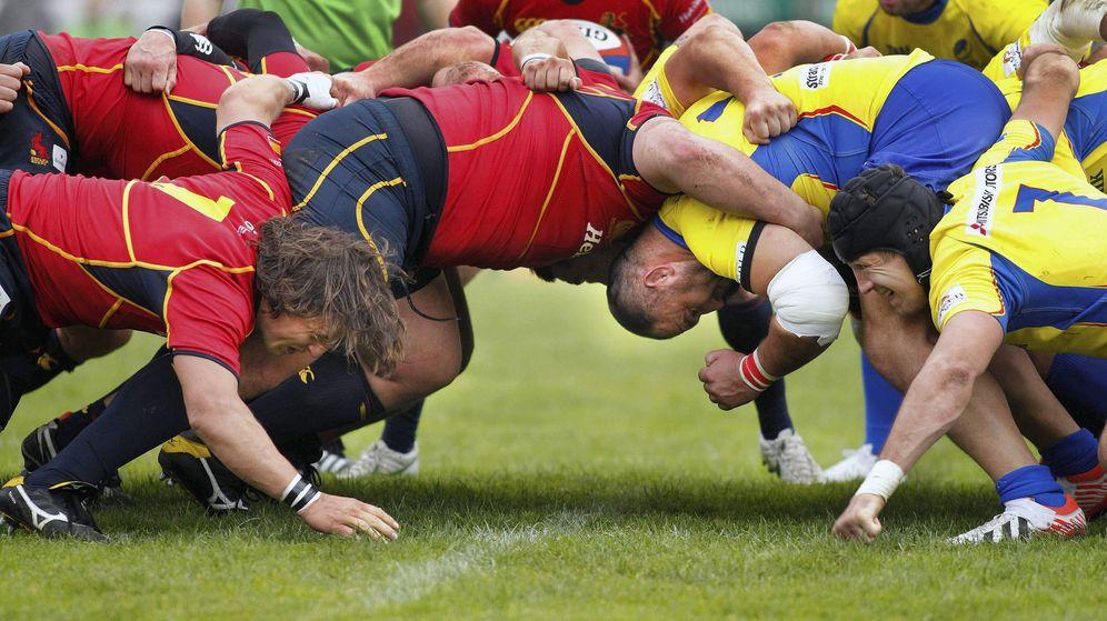 Foto: Una melé en el España-Rumanía del campeonato de Europa (EFE)