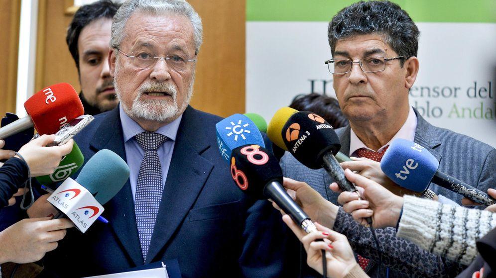 Foto: Fotografía facilitada por la Junta de Andalucía del defensor del pueblo andaluz, Jesús Maeztu. (EFE)