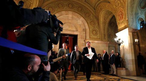Los presos tratan de conmover al Parlament más caótico para repetir el referéndum