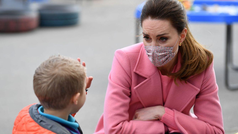 Si te enamoraste del abrigo rosa de Kate Middleton, te gustará este de Mango