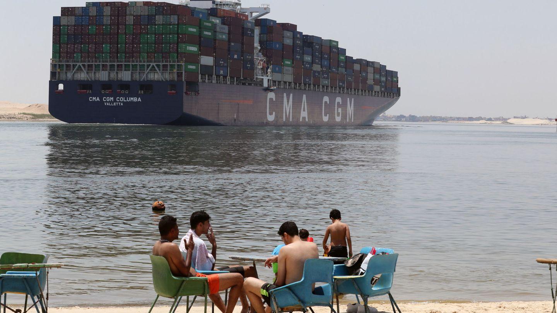 'Ever Given' encallado en el Canal de Suez. (EFE)