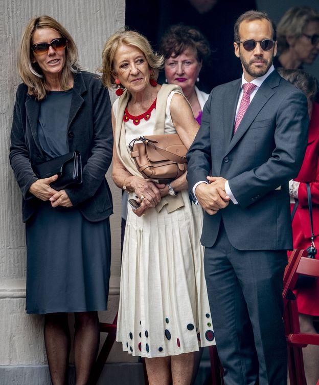 Foto: María del Carmen Cerruti y su hijo Juan Zorreguieta en La Haya. (Getty)