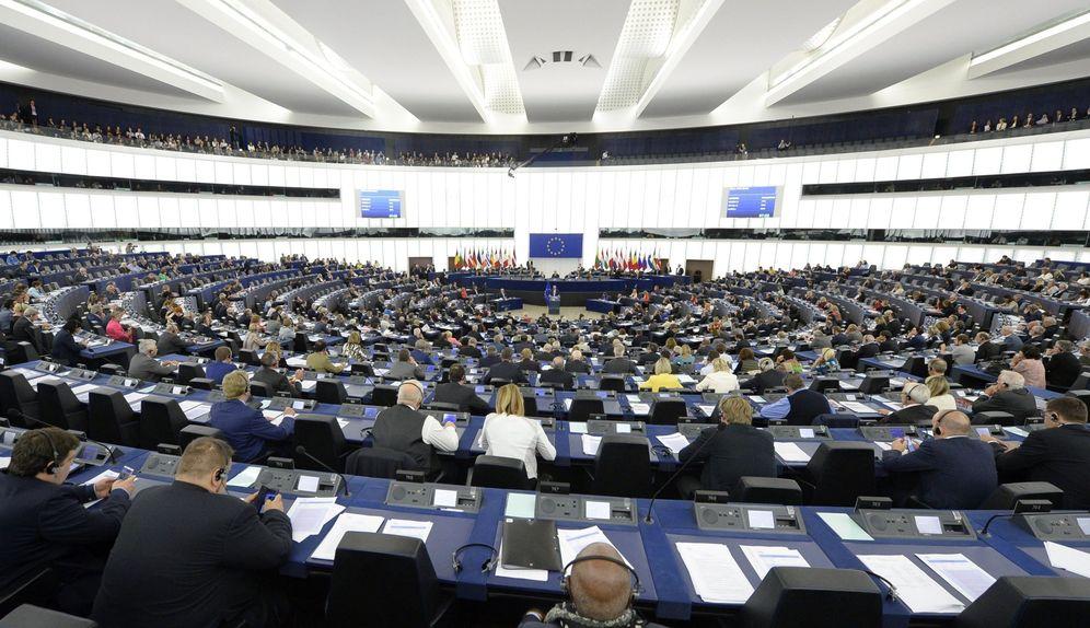 Foto: El presidente de la Comisión Europea, Jean-Claude Juncker, preside un debate del estado de la Unión en la Eurocámara en Estrasburgo. (EFE)
