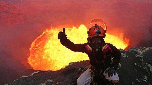 Baja por el cráter del volcán Masaya, el más activo de Nicaragua, para instalar sensores de predicción