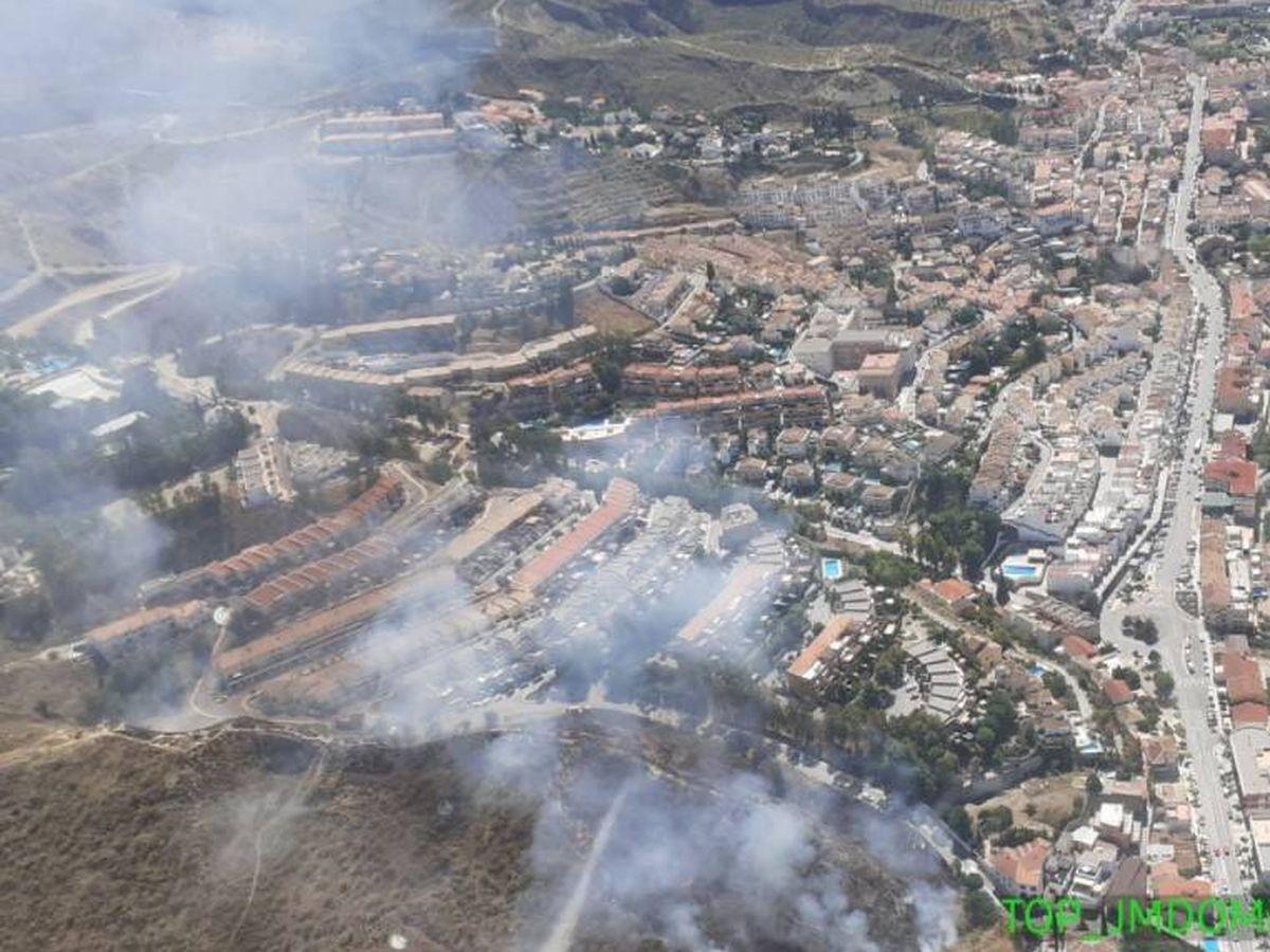 Foto: Imagen del incendio en Cenes de la Vega (Granada). Foto: Infoca