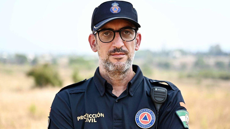 José Martín colaboró en el desalojo de los afectados. (Germán Pozo)
