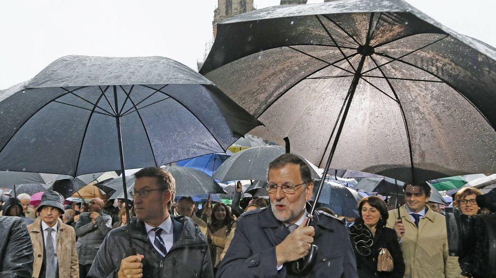 Foto: El presidente del Gobierno, Mariano Rajoy, junto al presidente de la Xunta, Alberto Núñez Feijóo. (EFE)