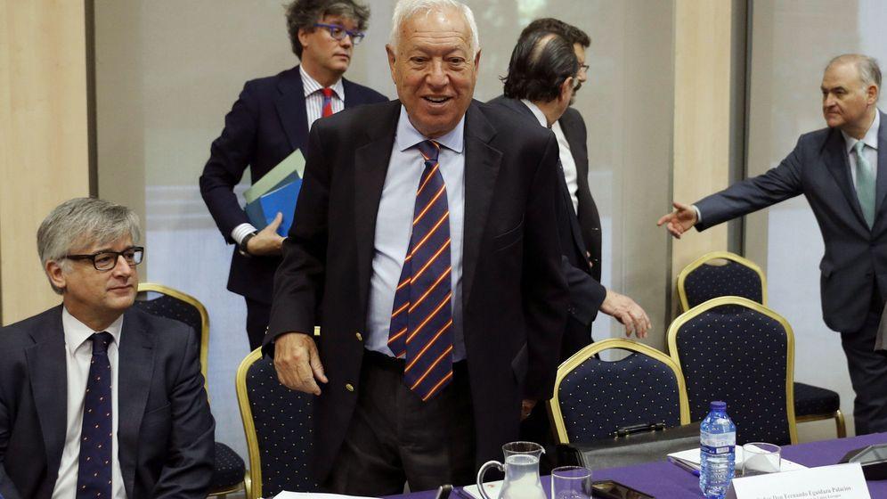 Foto: El ministro de Asuntos Exteriores en funciones, José Manuel García-Margallo (d), preside hoy la primera reunión interministerial sobre Gibraltar. (EFE)