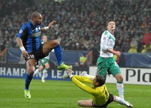 El Inter deja a Adriano la decisión de marcharse o no del club