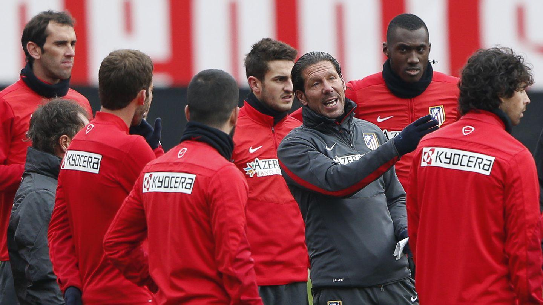 Simeone junto a los jugadores del Atlético de Madrid (Gtres)