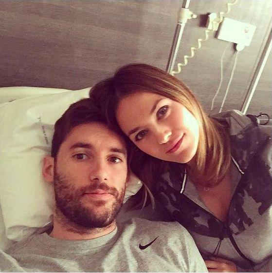 Foto: Helen Lindes y su marido el jugador Rudy Fernández en el hospital (Instagram)
