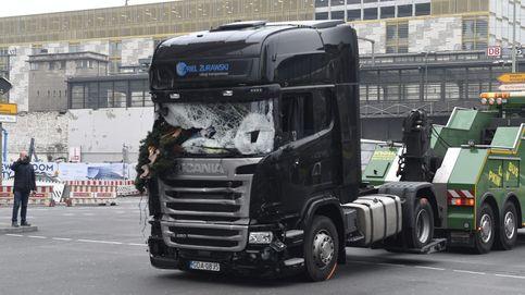 Primeras imágenes del instante en que el camión entra en el mercadillo navideño de Berlín