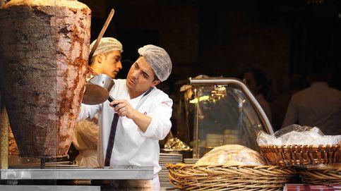 El durum de Felipe VI: visita al mejor y peor kebab de Madrid