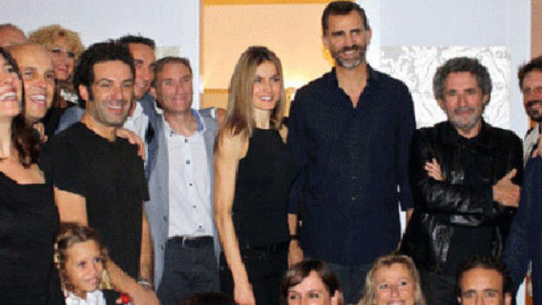 Los reyes hace dos años con el equipo de Anglada. (Nobadis.es)