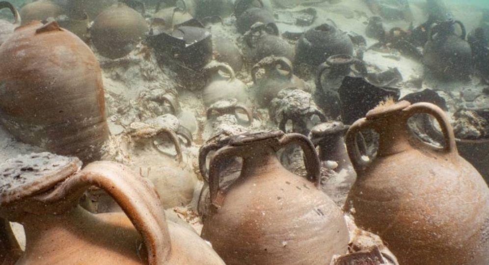 Foto: Imagen de las ánforas encontradas en el barco romano. (Departamento de Cultura de Mallorca)