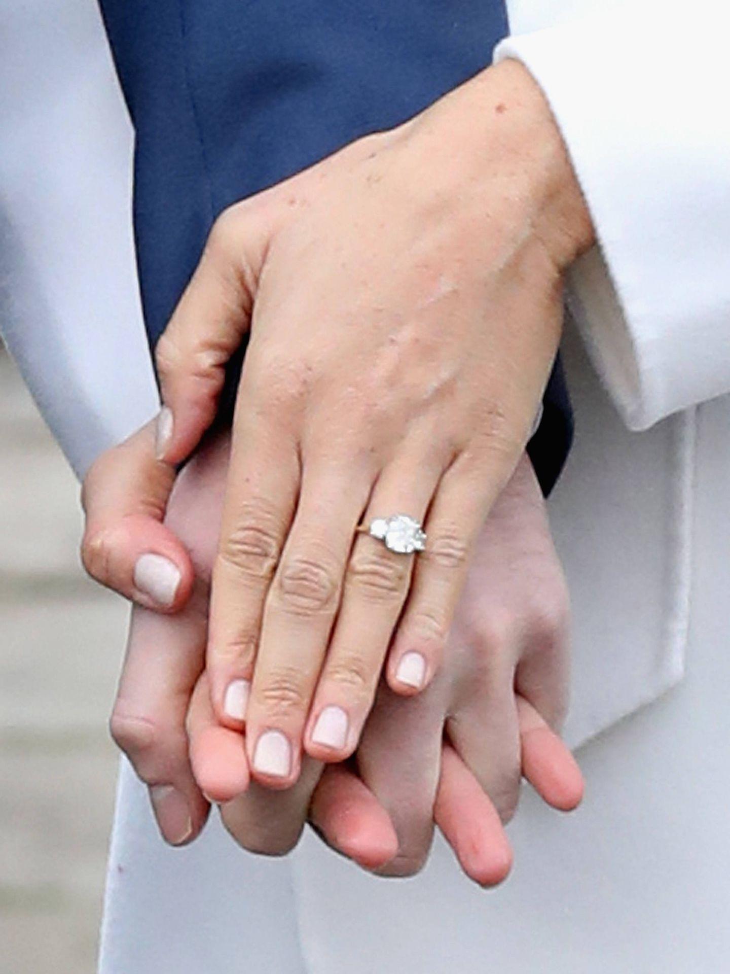 Detalle del anillo de compromiso de Markle. (Getty)