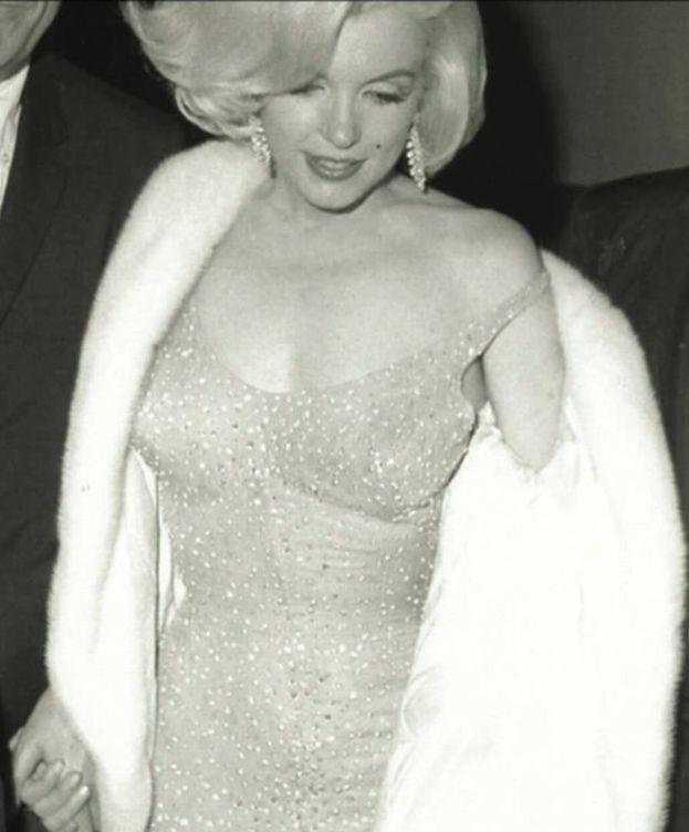 Foto: Imagen detallada del vestido subastado de Marilyn Monroe